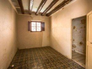 10010 Schlafzimmer mit Dachbalken