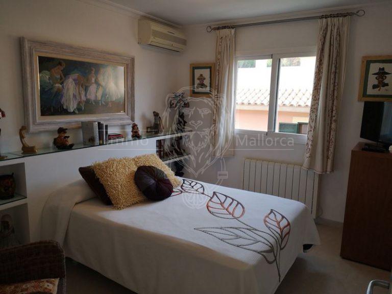 23034 Schlafzimmer