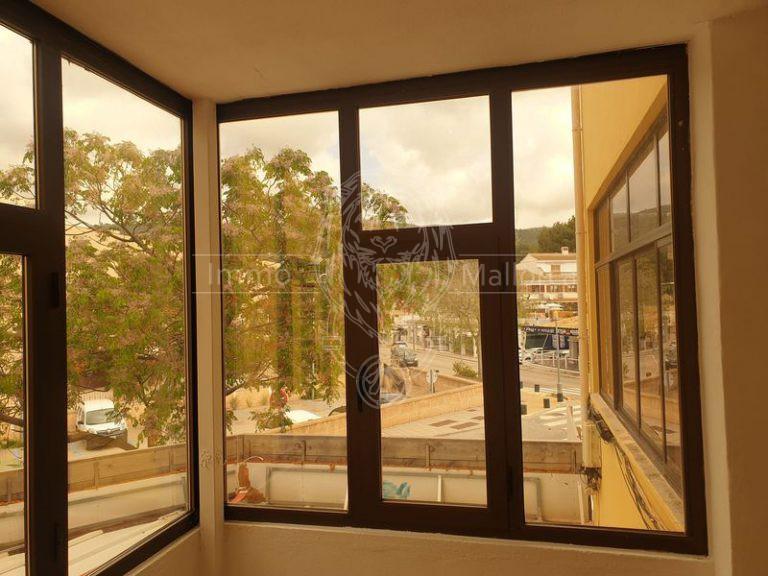 12555 Verglaster Balkon