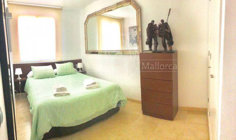 M-12054 Hauptschlafzimmer 2