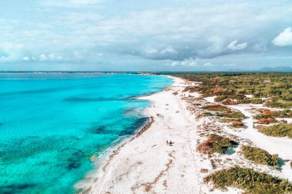 Drohnenaufnahme von Playa Es Trenc